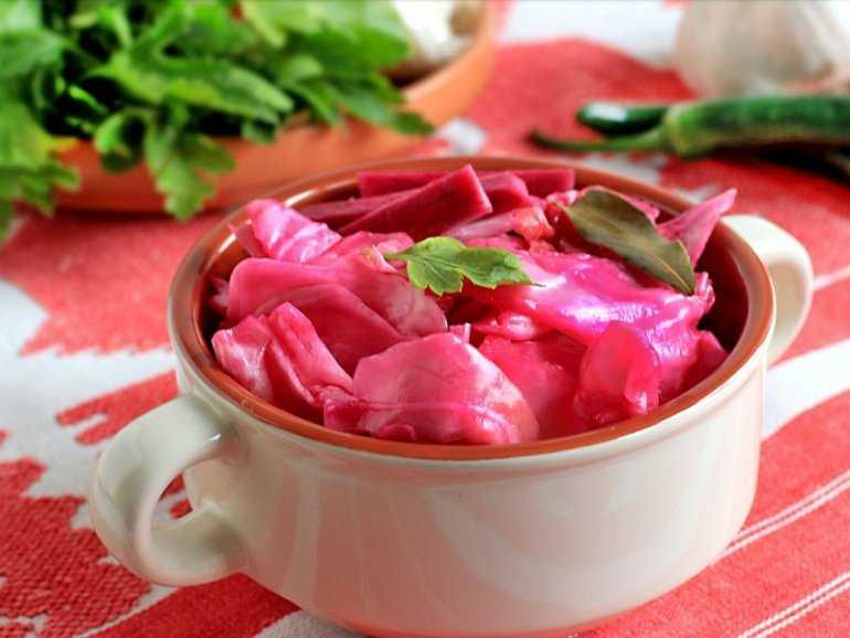 Рецепт засолки капусты острой со свеклой