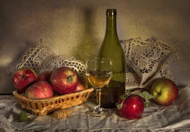 Как осветлить яблочное вино в домашних условиях, что делать, если не бродит, сколько добавлять сахара