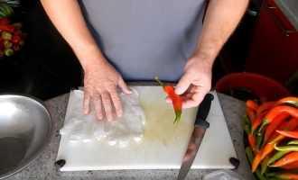 Можно ли заморозить горький перец на зиму