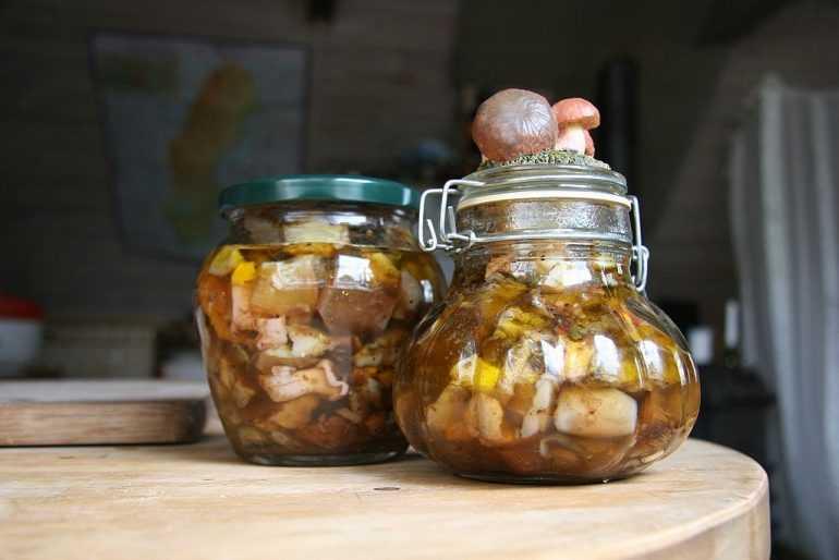 Сколько хранятся соленые грибы в холодильнике